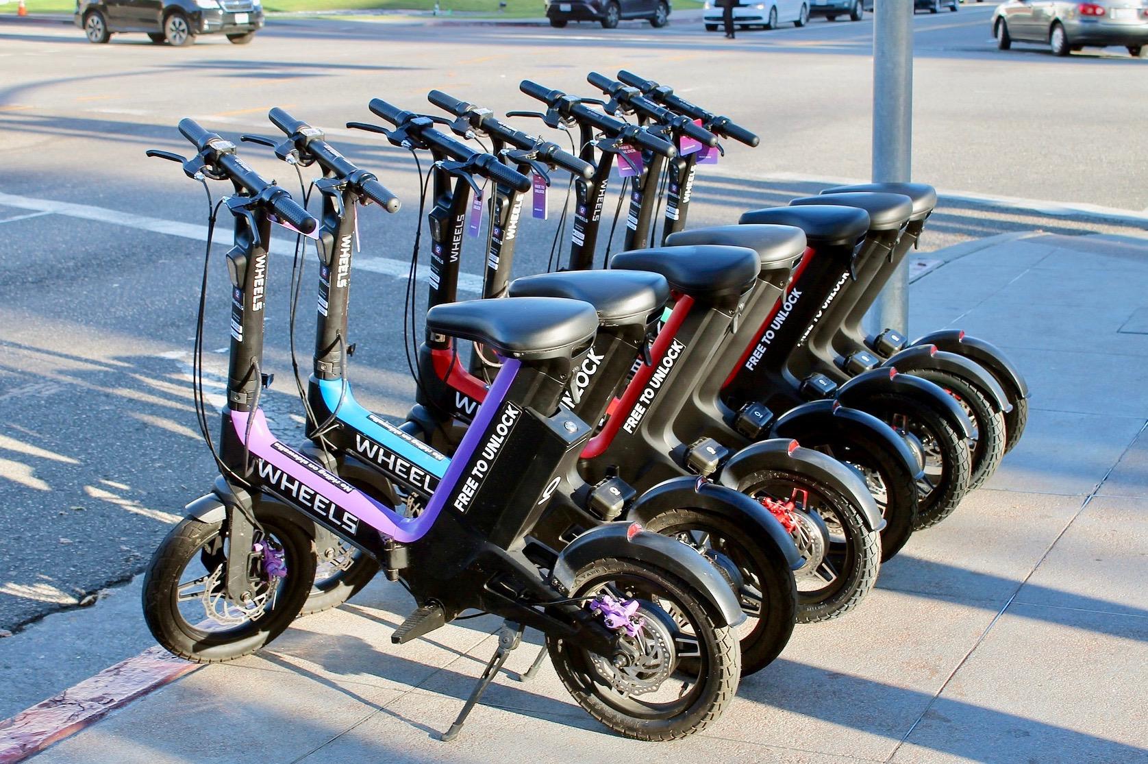 Scooters eléctricos y bicicletas para alquilar