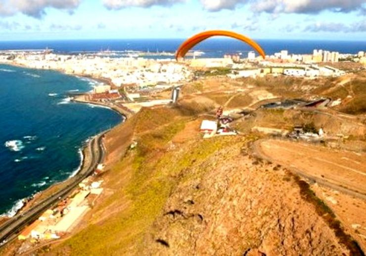 Amazing landscape with Gran Canaria paragliding