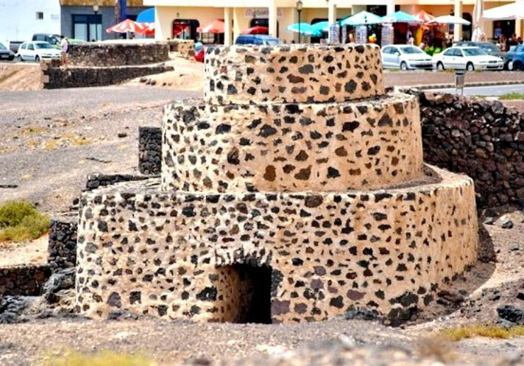 Fuerteventura jeep excursion lime kilns in El Cotillo
