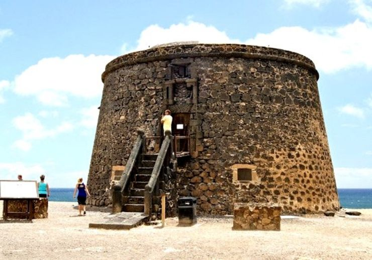 castillo del toston el cotillo jeep tour