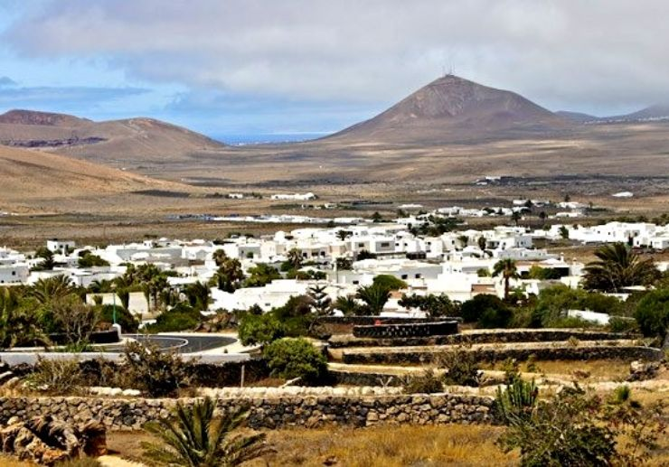 Lanzarote scenic jeep safari tour