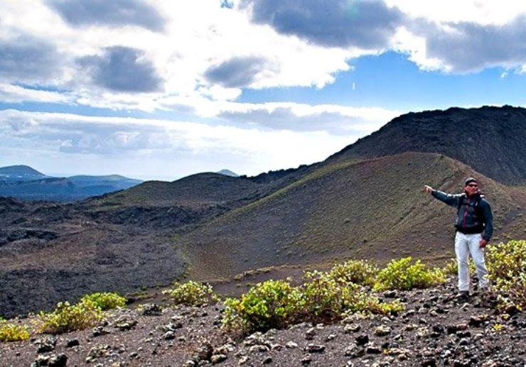 Lanzarote hiking volcano landscape