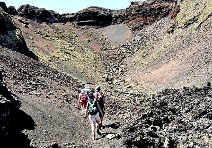 Hiking tour in Lanzarote volcanic landscapes