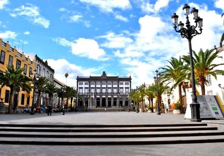 Plaza Mayor de Santa Ana in Las Palmas