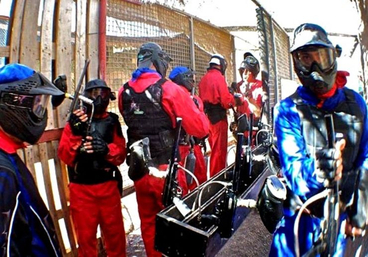 Air guns for paintball game in Lanzarote