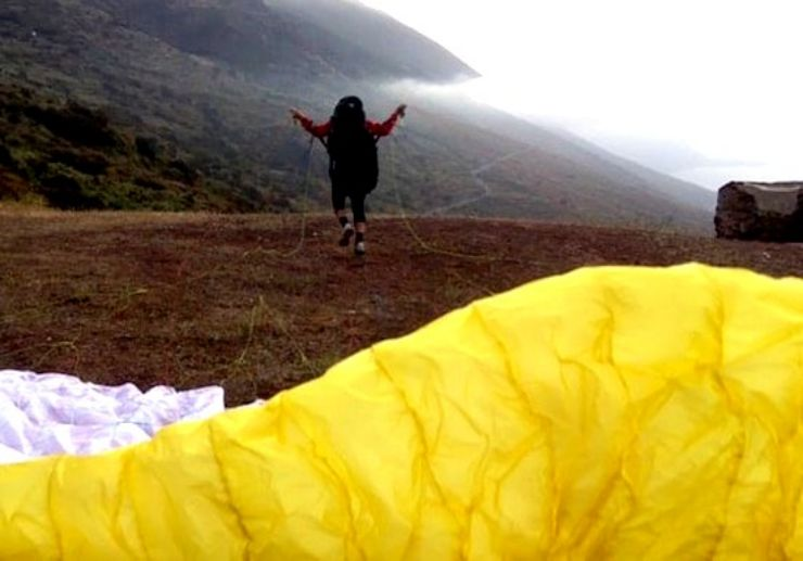 On-ground paragliding theory and praticals