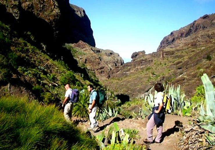 Guided Masca hiking tour