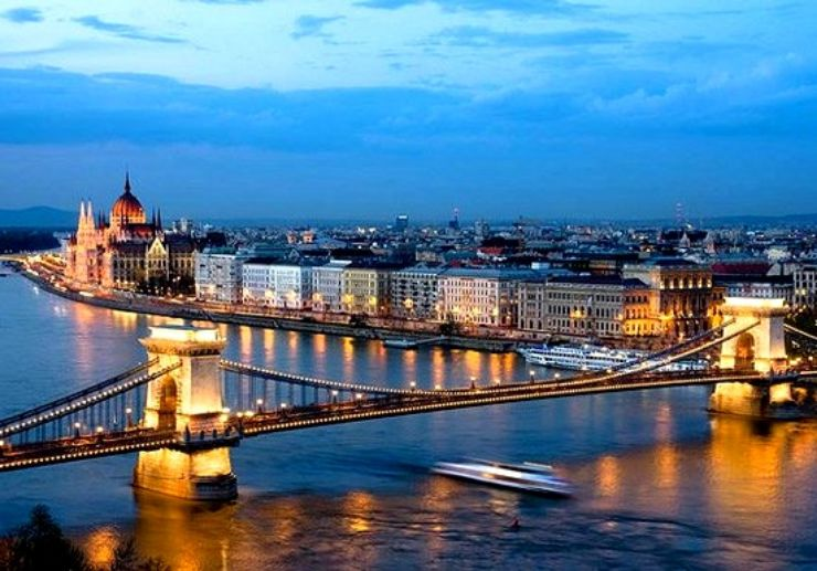 Dinner and Cruise on the Danube river
