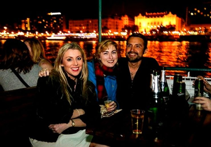 Drink while cruising in Budapest