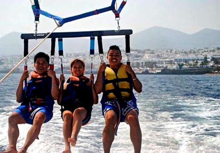 Playa Blanca parascending ride