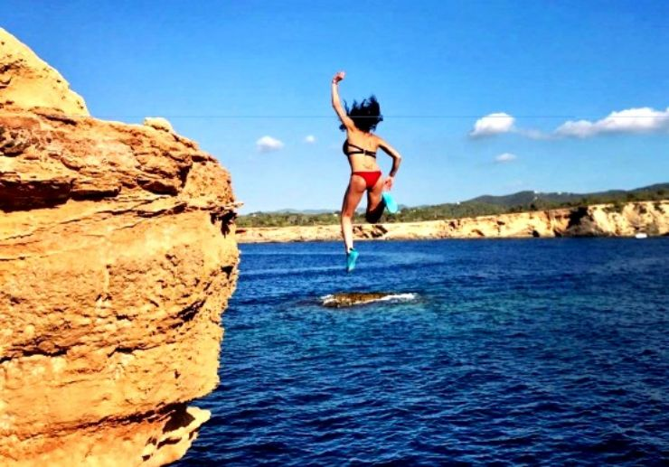 Experience cliff diving in Ibiza with jeep tour