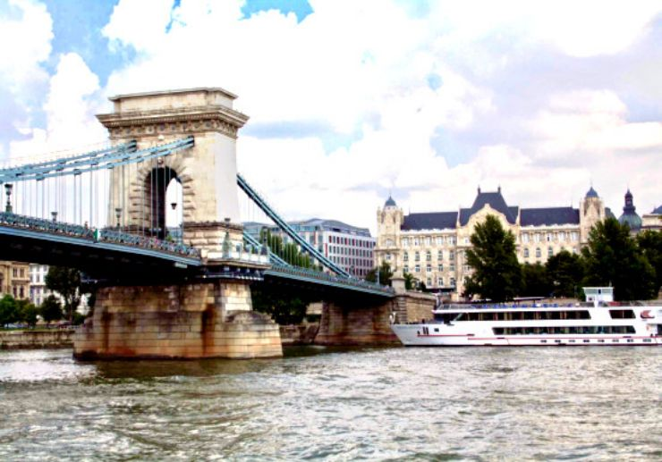 Enjoy an afternoon on Danube river cruise